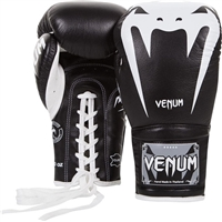 VENUM GIANT 3.0 BOXING GLOVES - NAPPA LEATHER - WITH LACES - BLACK